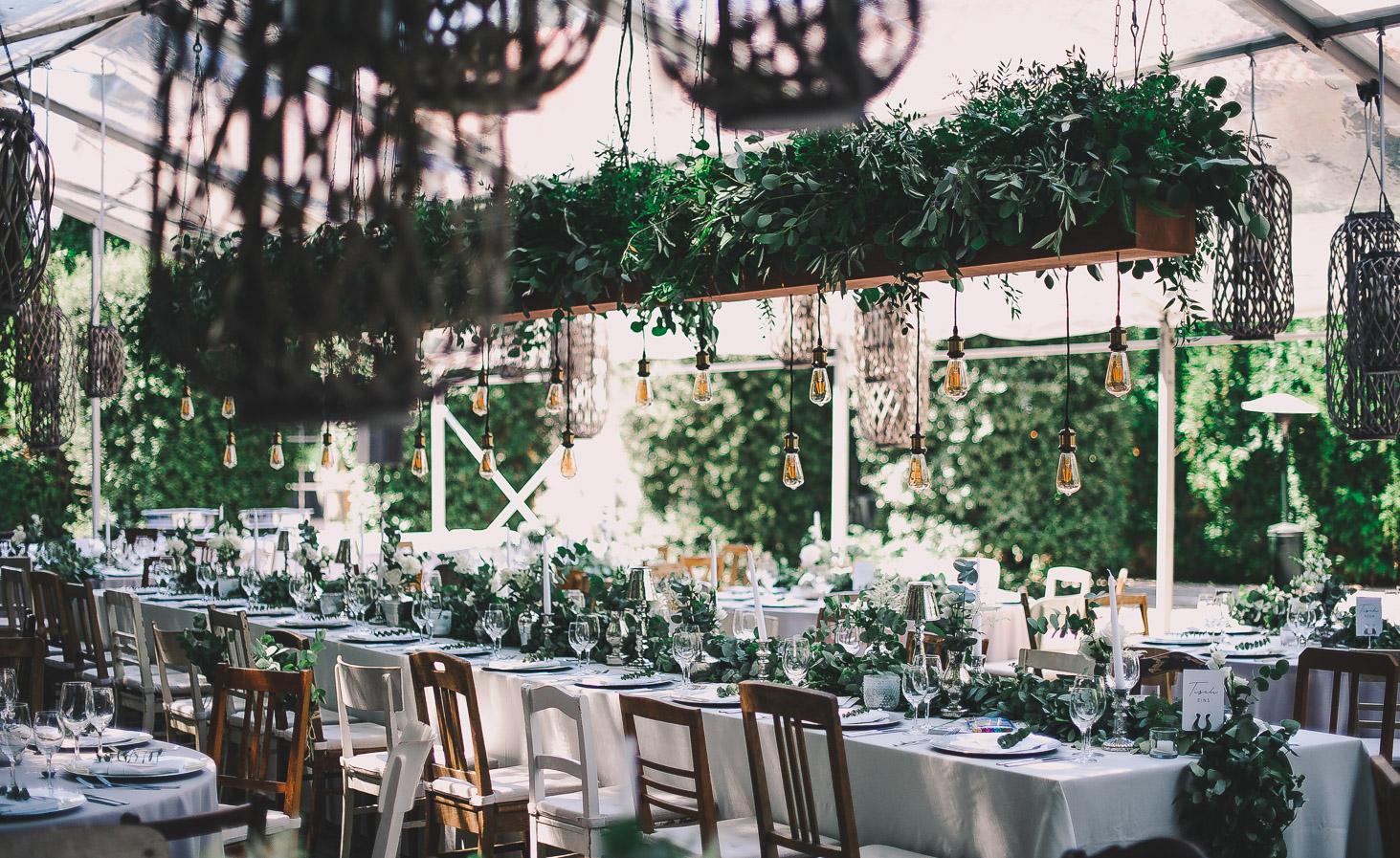 Hochzeit im Zelt im greenery organic look